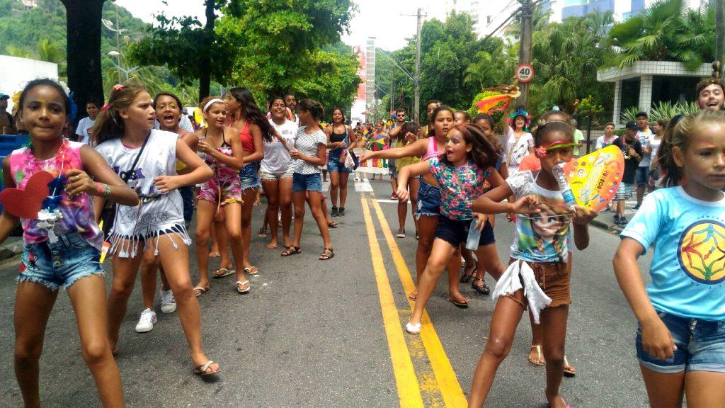 Desde 1992, bloco aproveita o carnaval para tratar de direitos da infância. Crédito: Léo Duarte