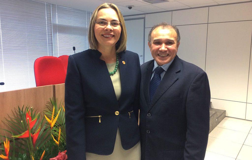 Ministra Kátia Arruda (Tribunal Superior do Trabalho) e Antonio de Oliveira Lima (procurador do Trabalho). Crédito: Bruna Ribeiro/Rede Peteca