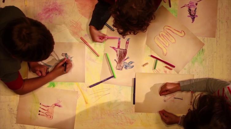 Agenda lúdica: direitos humanos representados por crianças em desenho livre. Crédito: Agência Brasil
