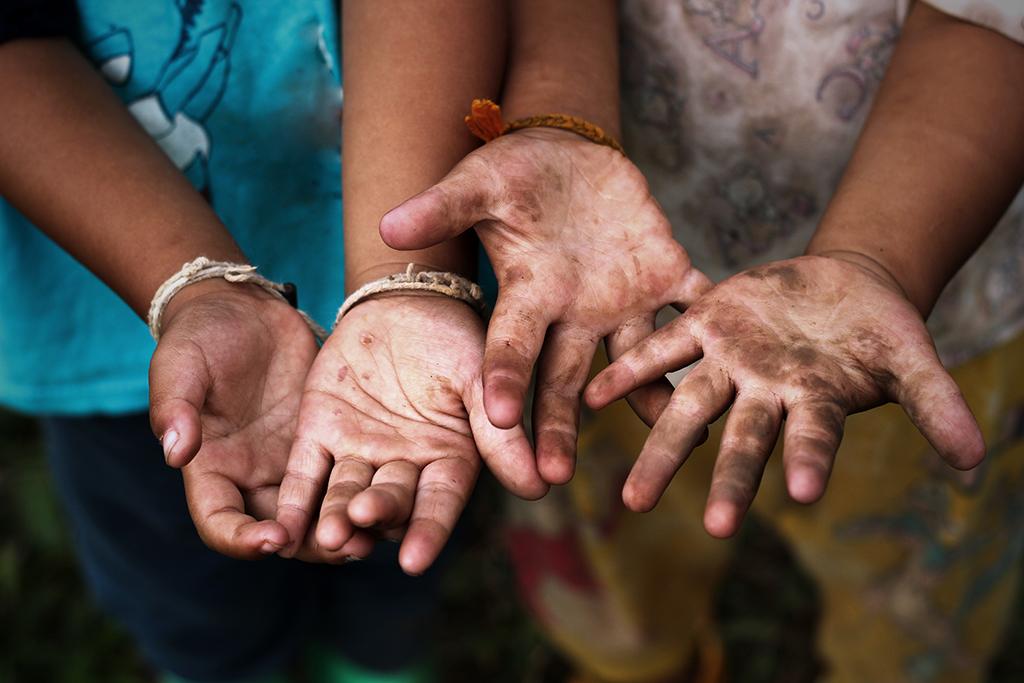 PETI, ou programa de erradicação do trabalho infantil, ajuda a combater a exploração de crianças e adolescentes.