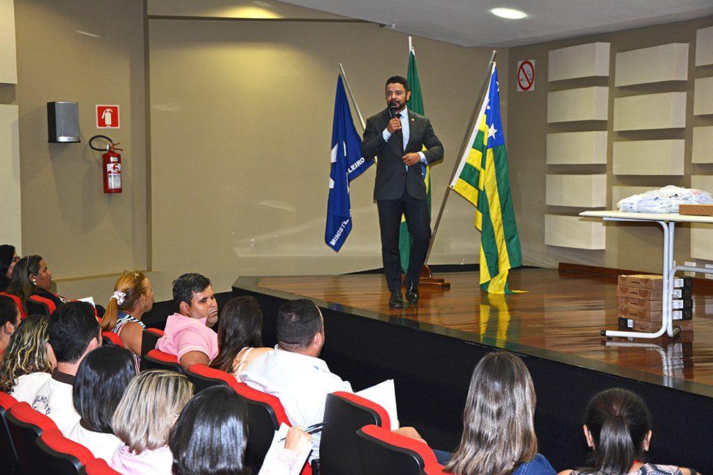 Palestra de Tiago Ranieri realizada no auditório do MPF em Goiás, em 10 de agosto de 2017. Crédito: Arquivo Pessoal