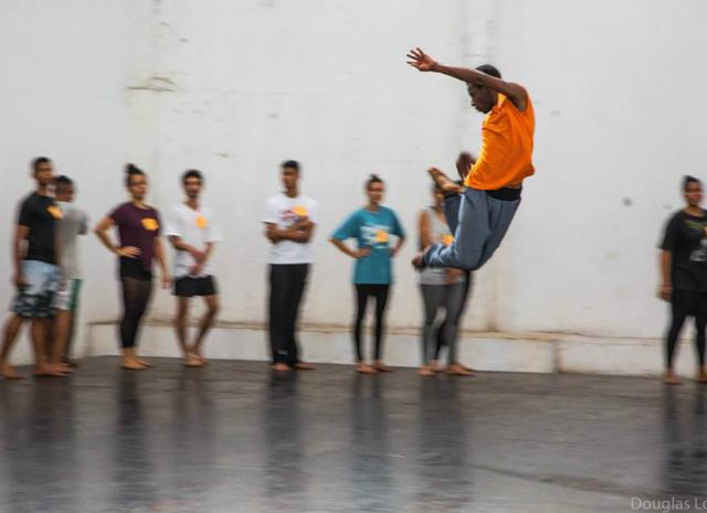Escola Livre de Dança da Maré Centro de Artes da Maré