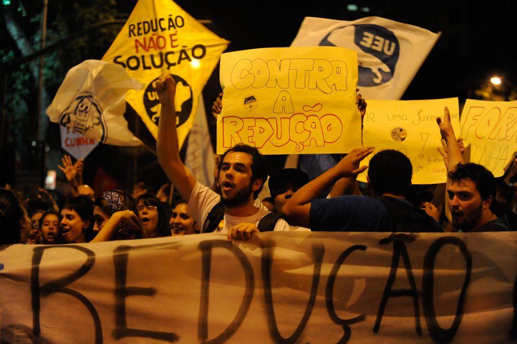 Protesto no Rio de Janeiro contra a redução da maioridade penal. Crédito: Fernando Frazão/Agência Brasil