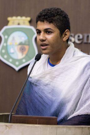 Felipe-Caetano-Jovem-Atuante-Rede-Peteca-Chega-de-Trabalho-Infantil