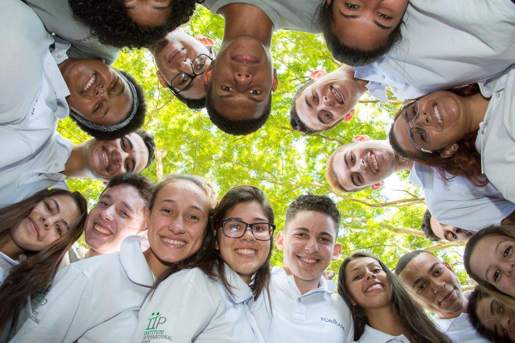 Turma de jovens aprendizes da International Paper. Crédito: Divulgação